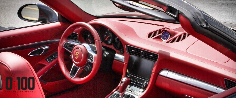 敞篷保时捷Carrera 911内饰