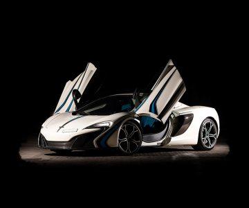 McLaren 650S in white