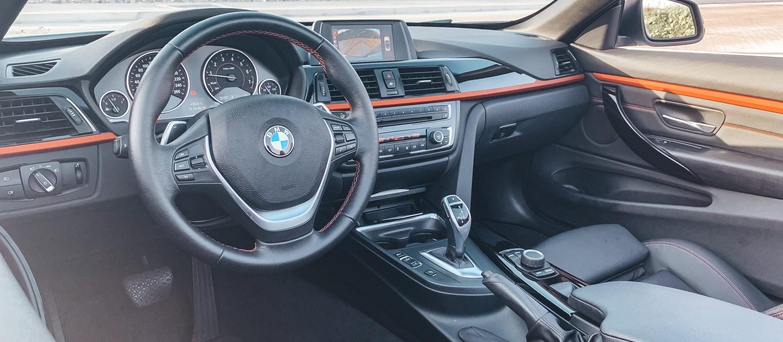 BMW 420i Cabrio interior